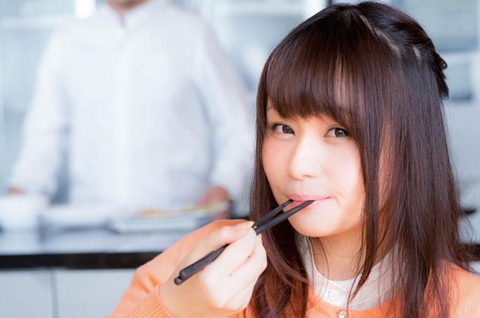 彼女が美味しそうにご飯を食べるとき、かわいいと思う