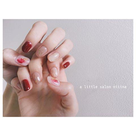 ■シンプルなショートネイル好きが集まる「a little salon niiina」