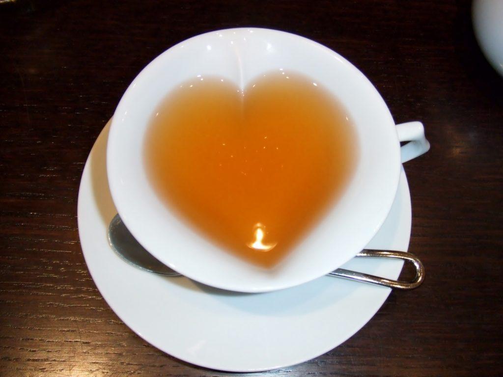 恋愛運アップのおまじない②紅茶など、お茶を飲む