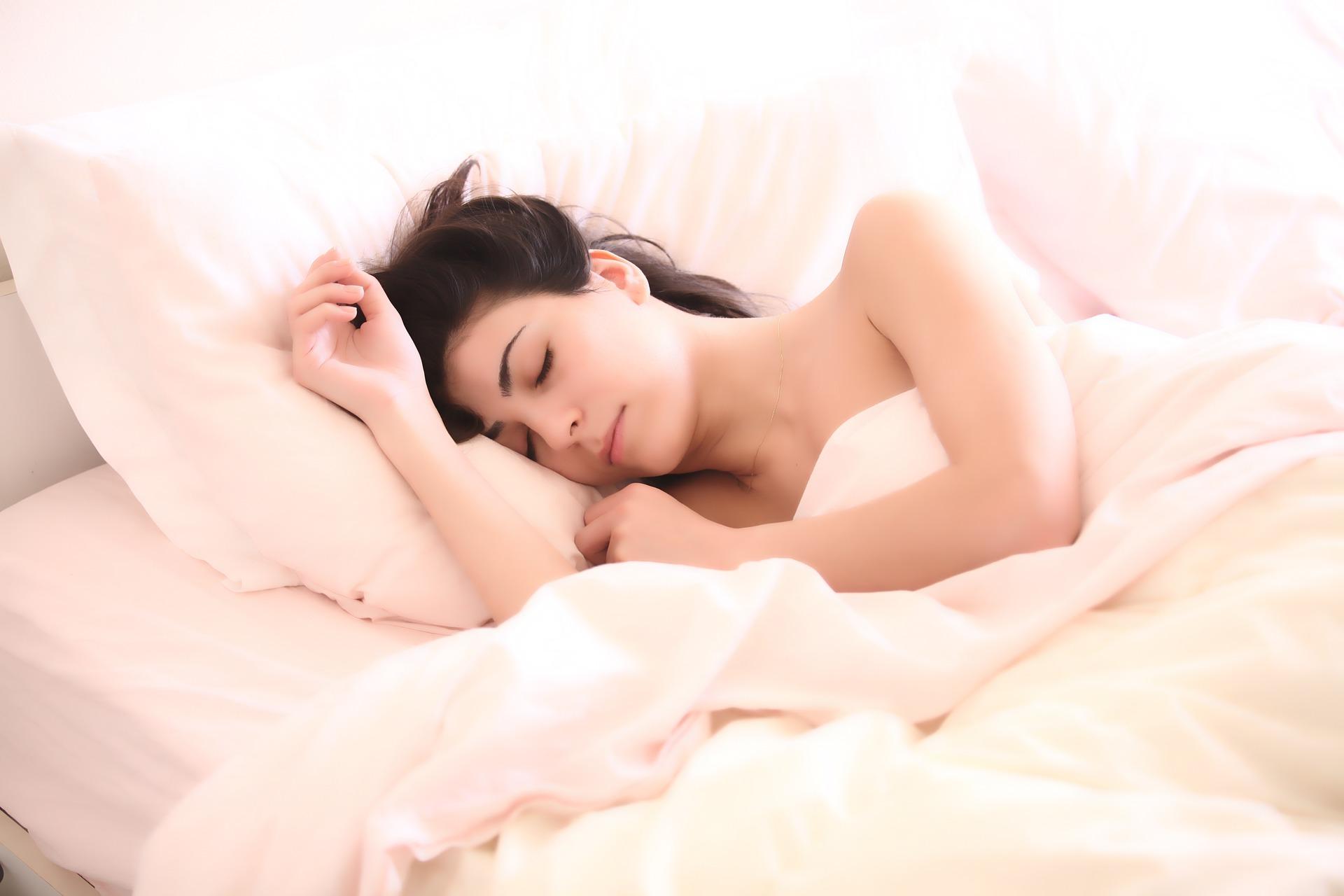 睡眠不足は美肌の大敵!快適睡眠グッズ4選