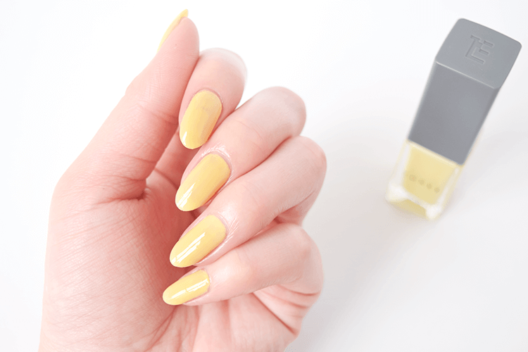 ネイルカラー黄色のアピール効果
