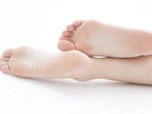 男性がドキッとする足元の色気⑤:もちろん足裏のケアは徹底する