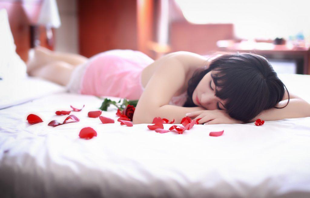 会話より性欲|キープ女性にする特徴⑥