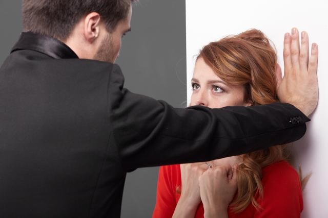 上司や同僚からセフレ・不倫を求められたときの断り方