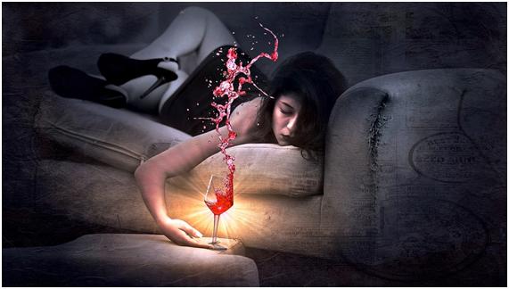 飲み会で絶対NGな女性の行動②お酒に呑まれる