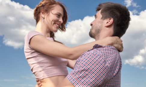 言葉にしなくても愛情は伝わる?彼氏が彼女からの愛情を感じる瞬間8選