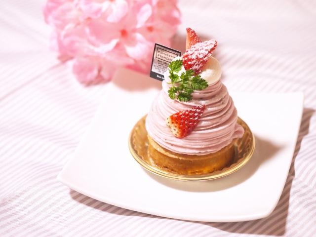【夢占い・夢診断】ケーキの夢がもつ意味とは?ケーキの夢占いまとめ