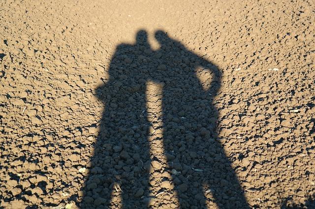 おしゃれなカップル写真を撮る時のおすすめポーズ&構図-7