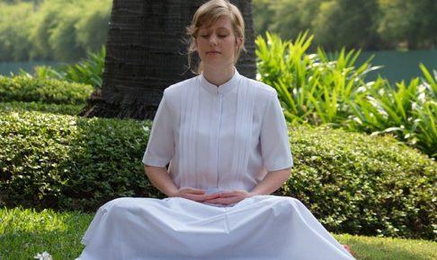 グラウンディングとは何?瞑想?グラウンディングの効果とやり方