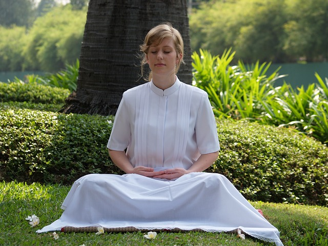 グラウンディングとは何?瞑想?効果とやり方を紹介