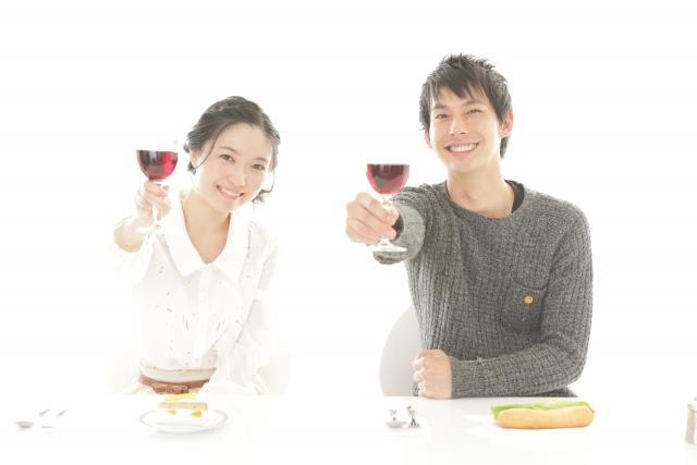 運命の出会いを作る方法④パーティーなどに積極的に参加する