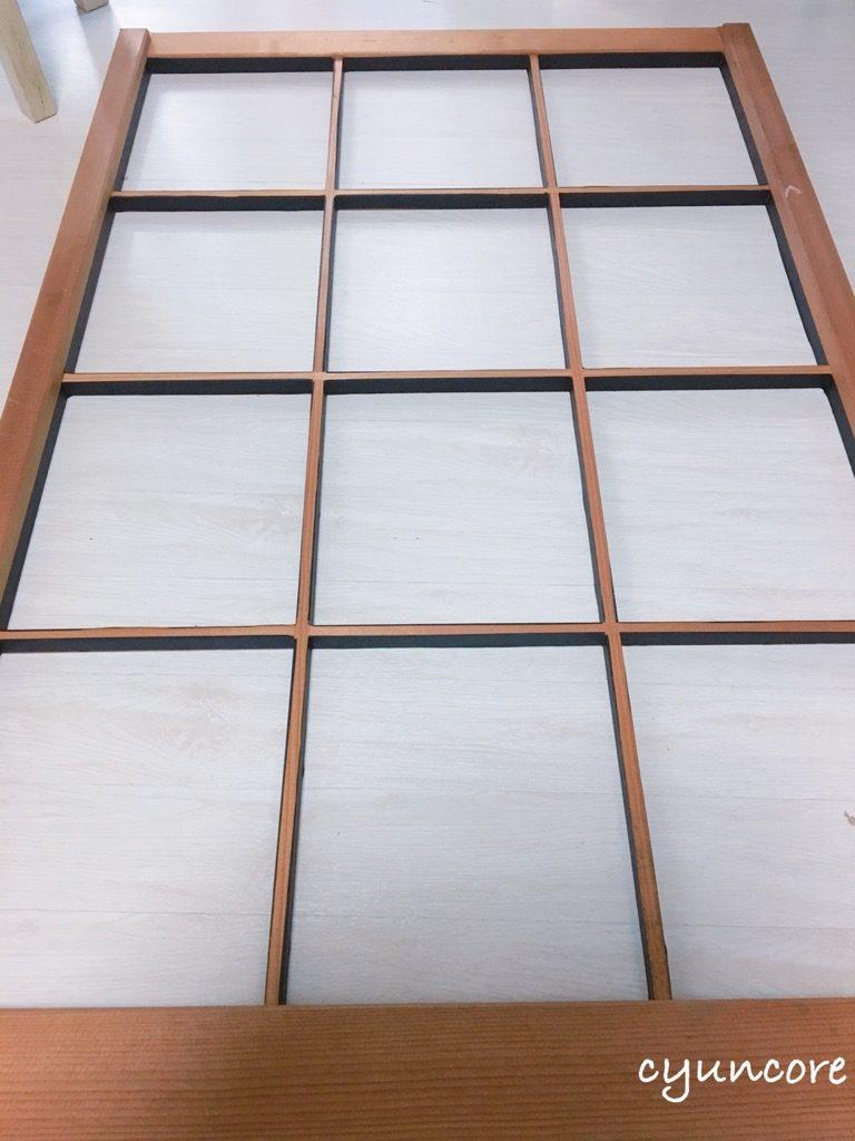 出窓の障子をリメイク③障子にマスキングテープを貼る-3