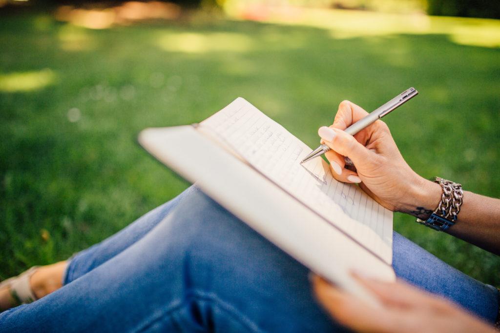 3. 人の気持ちを理解するには、自分の気持ちを書き出す