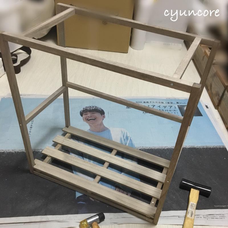 そうめんの木箱を絵本棚にリメイク②100均の木材とそうめんの木箱を組み立てる-5