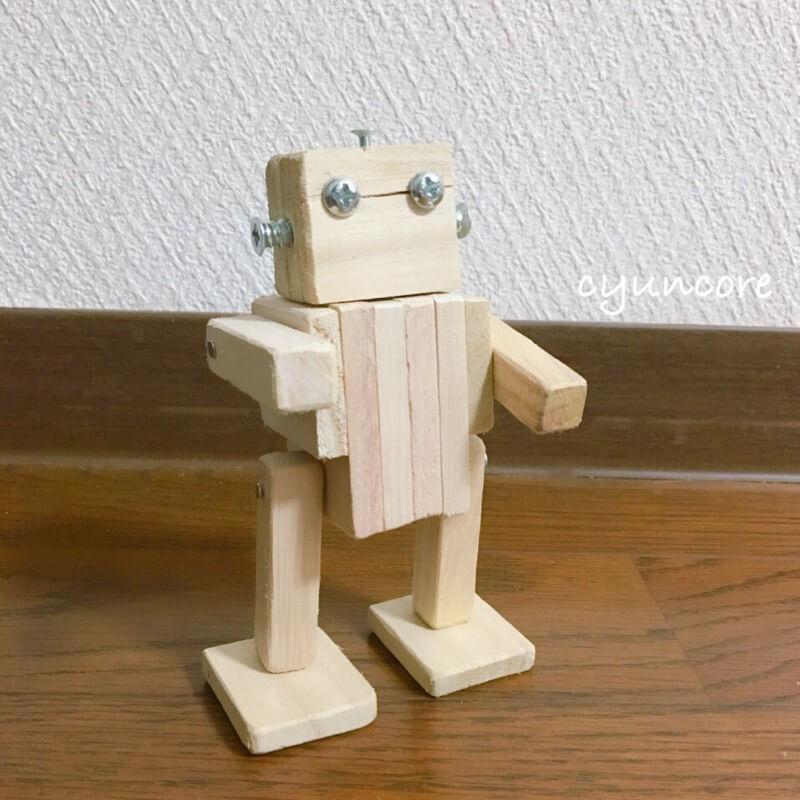 100均木材の端材で作るロボットのおもちゃ完成!