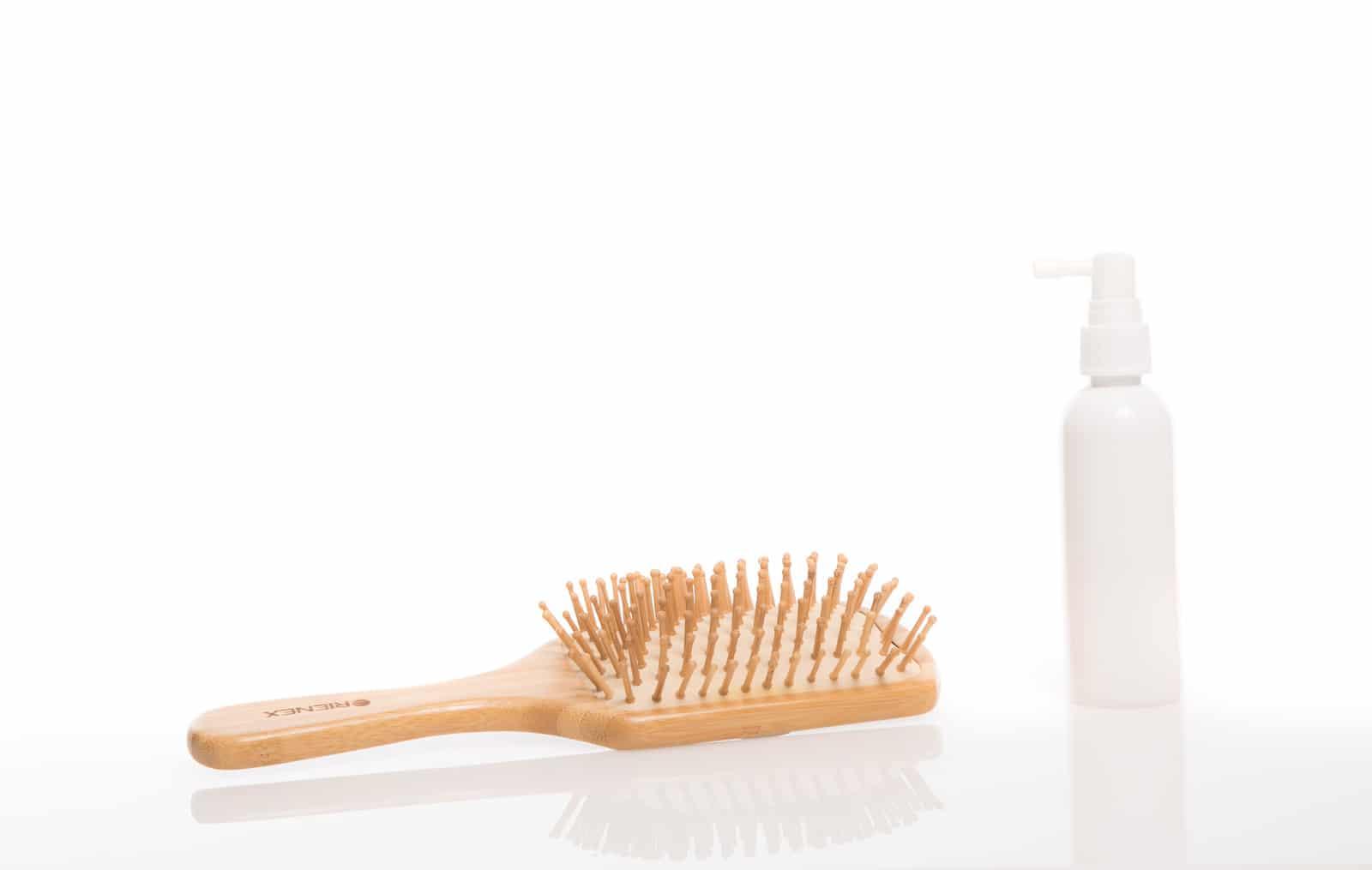 薄毛の原因やフケ・かゆみの原因は?頭皮トラブルの原因と対処法