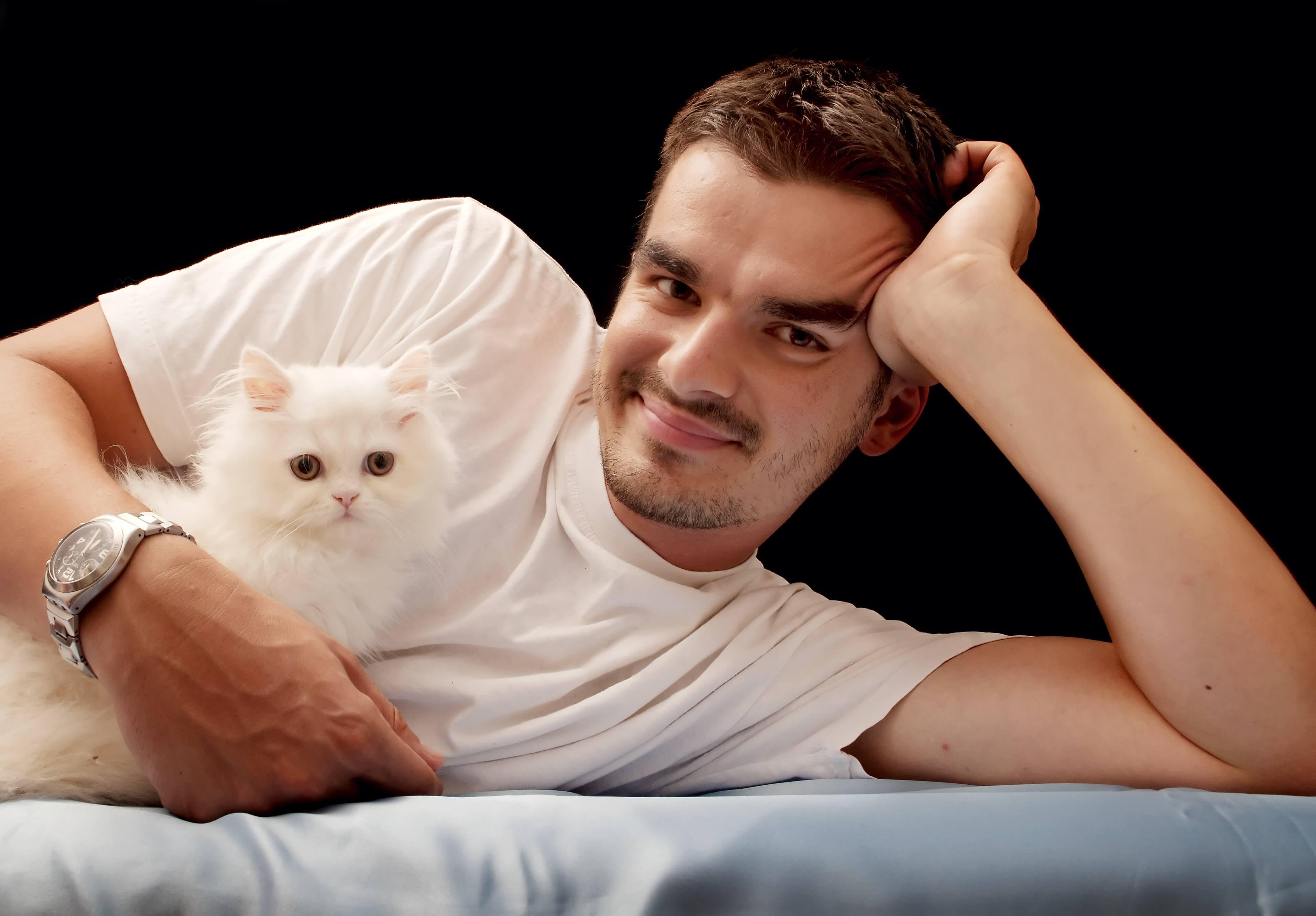 猫好き男子と恋愛しよう♡猫好き男子の性格・特徴を利用して落とす方法とは
