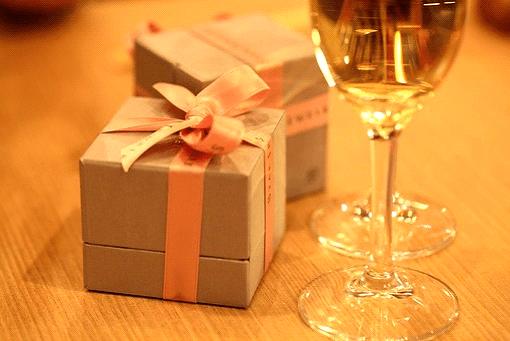 1年記念日には彼氏にプレゼントを贈ろう!1年記念日の過ごし方