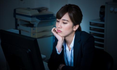 私嫌われてるかも?職場で嫌われてる女性の特徴7選!対処法はある?