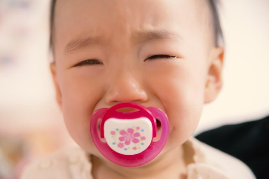 赤ちゃんが泣き止まない!育児ストレス