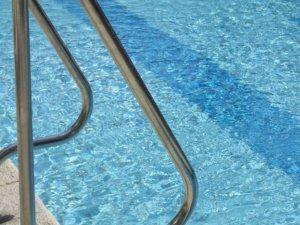 swimming-pool-19918_1920