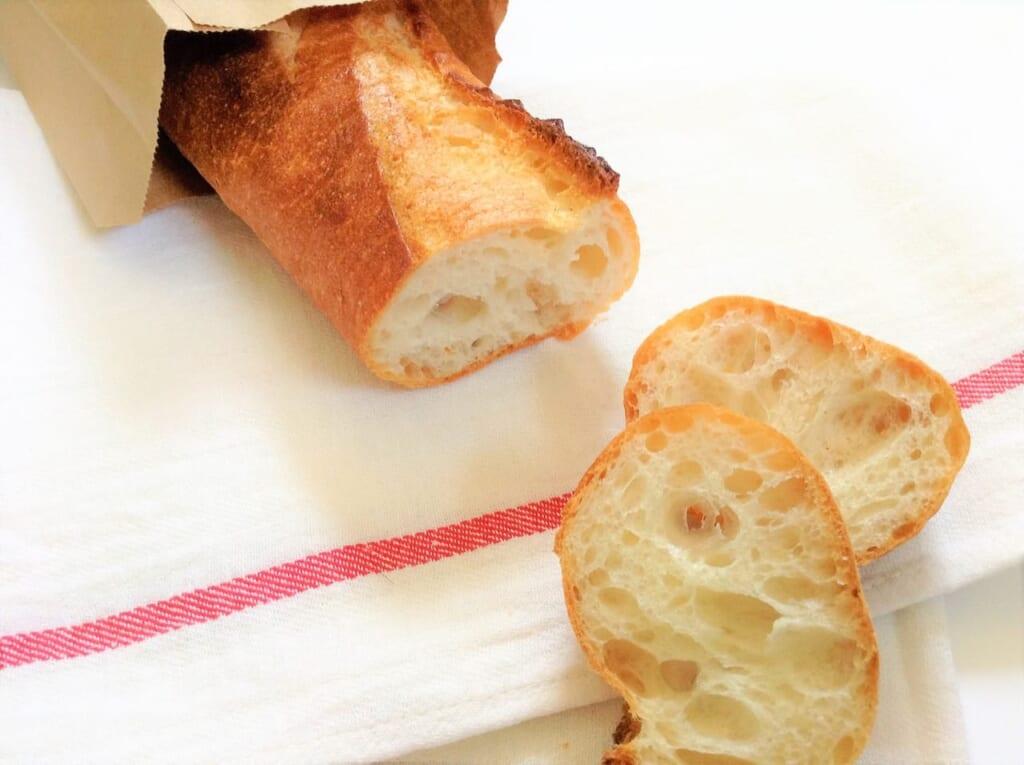 意外と高い!?フランスパンの一切れあたりの糖質量は?