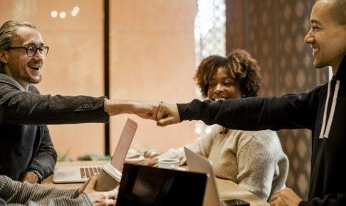 会議をもっと効率化!会議の効率化による生産性向上のヒントとは?