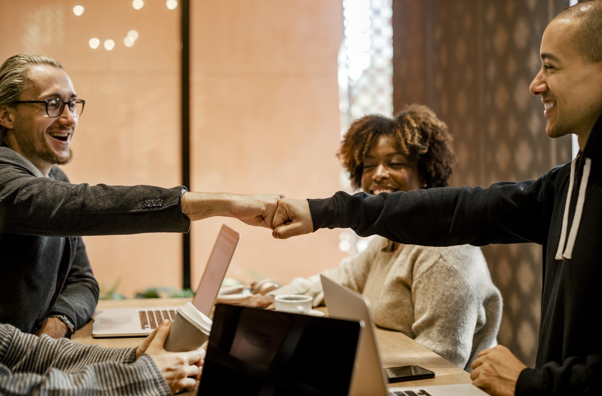 会議を効率化しよう!による生産性向上のヒントとは?