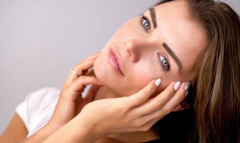 頬の毛穴が開く原因はお肌のたるみ?!頬の開き毛穴を改善する方法