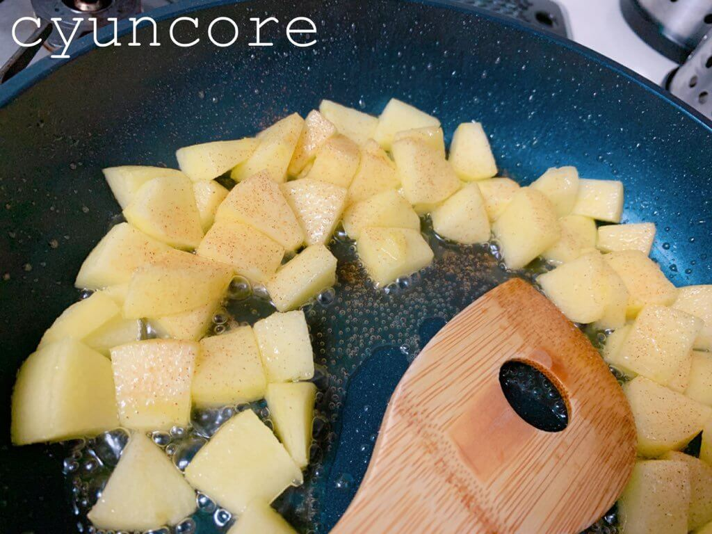 簡単アップルパイの作り方②リンゴに味付けをする-3