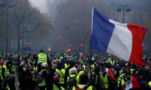 【辛口オネエ】パリは燃えているか?マクロン占い(1)まずトランジットが苦闘期で【有名人占い】