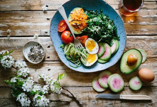 炭水化物抜きダイエットを実践した方の口コミやメニューとは?
