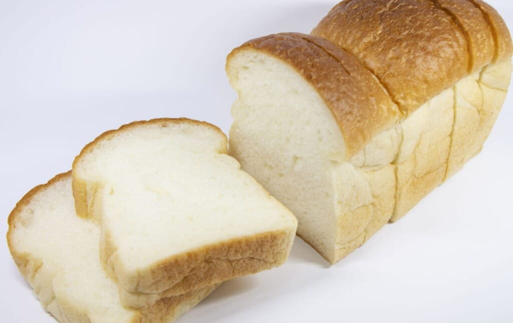 米粉パンと小麦粉パンのカロリー比較