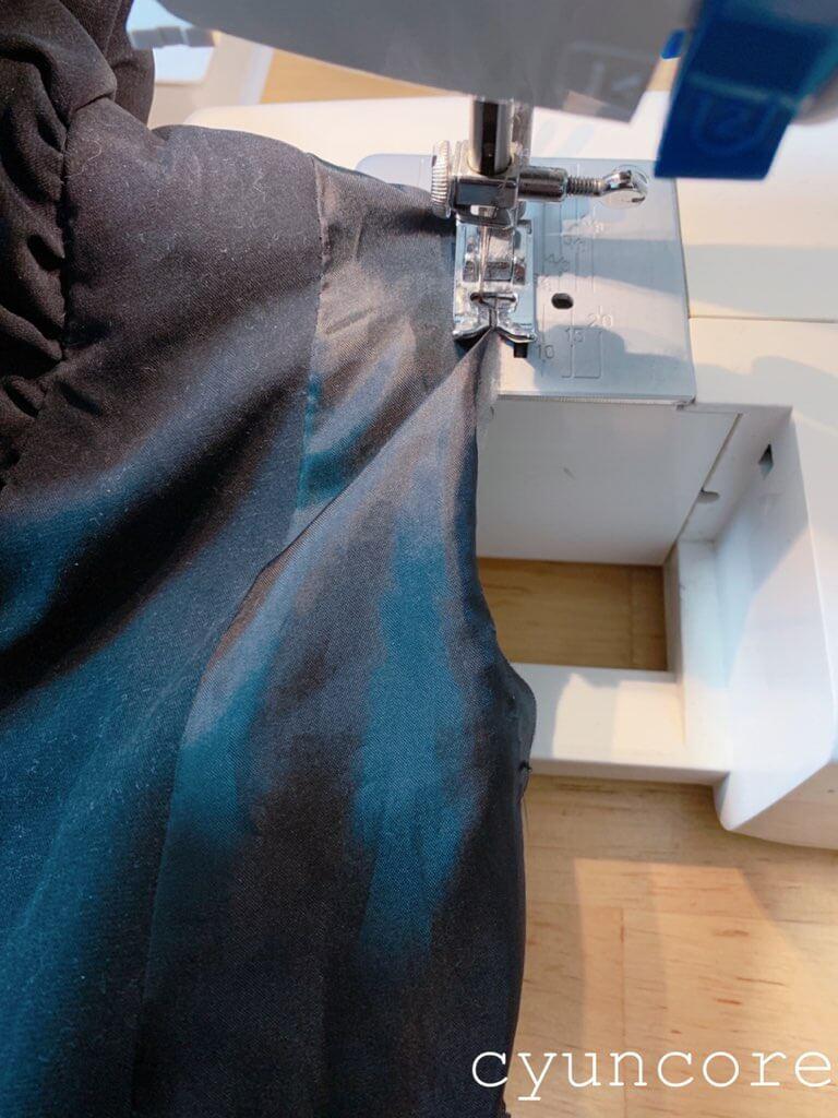 自転車用防寒カバーの作り方②アームホールを縫い合わせる