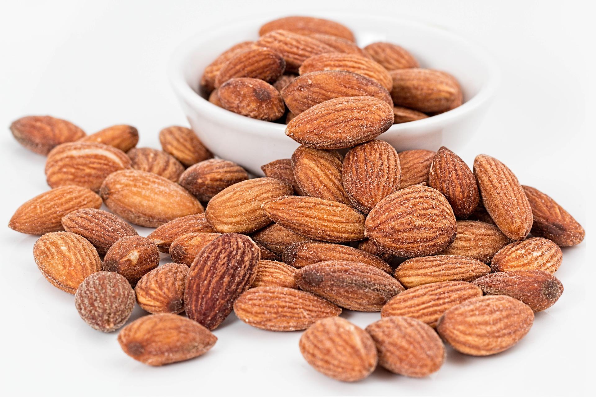 食べ過ぎ注意!アーモンド1粒のカロリーと栄養価は?ダイエット効果なら素焼きアーモンドを!一日の摂取量にも注意