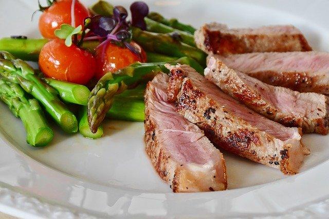 ダイエット中のサーロインステーキの食べ方