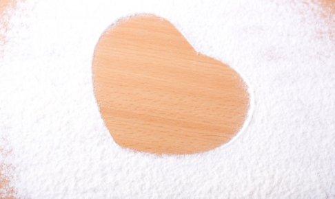 片栗粉のカロリーはなぜ高い?太るの?片栗粉・砂糖・わらび粉のカロリーを比較!