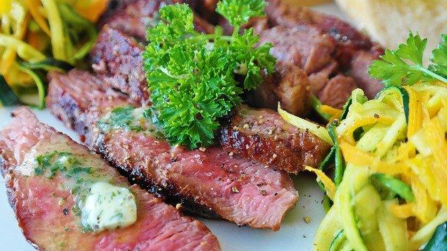 ダイエット中にサーロインステーキを食べるときの注意点