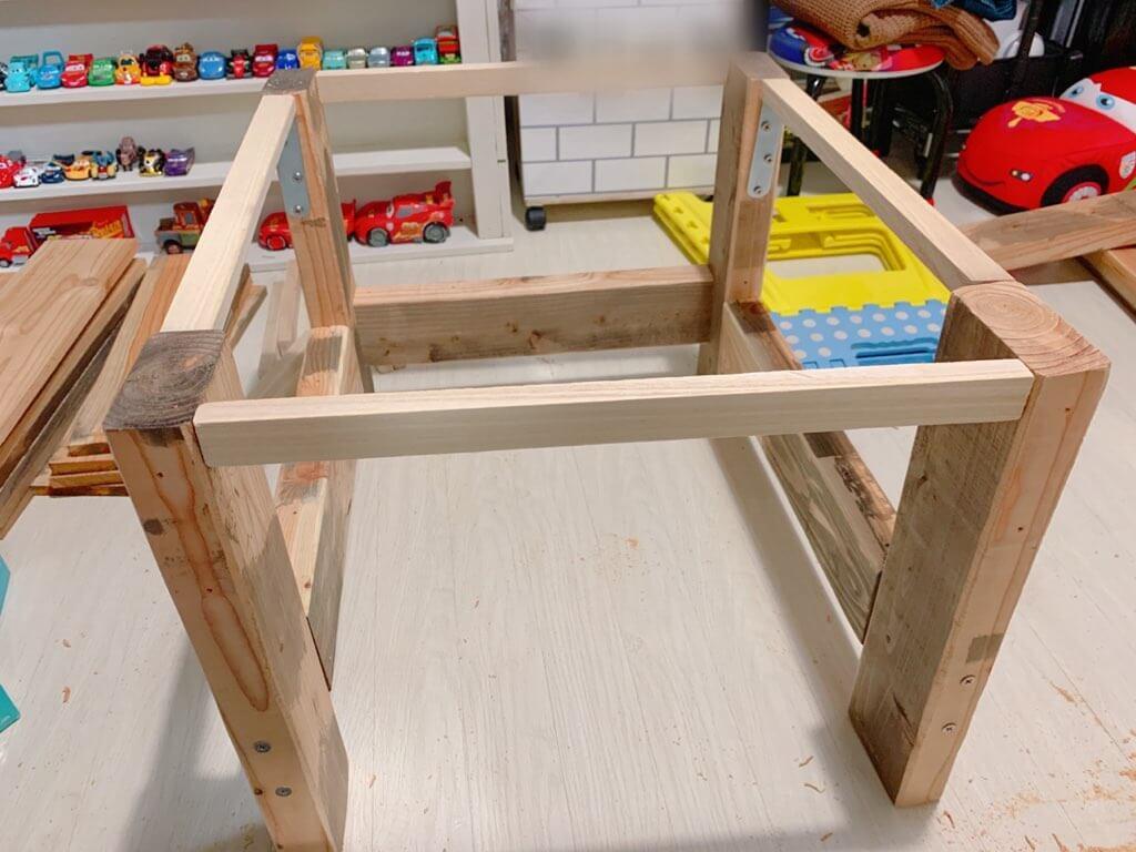 キッズデスクの作り方②デスクを組み立てる-2