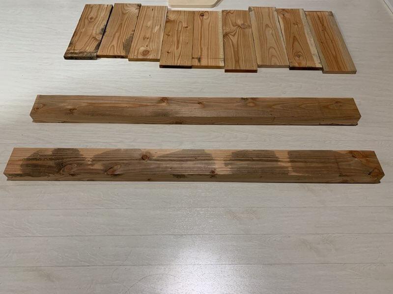 テーブルDIYに使った端材がこちら