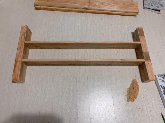 プレイテーブルDIY②前面の棚を組み立てる