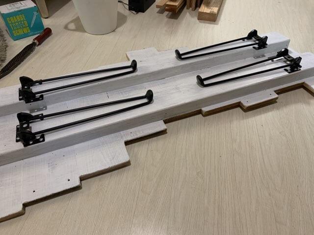 端材で作るテーブルの作り方②天板に脚を取り付ける-3