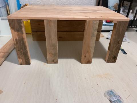 プレイテーブルDIY③テーブルを組み立てる-2