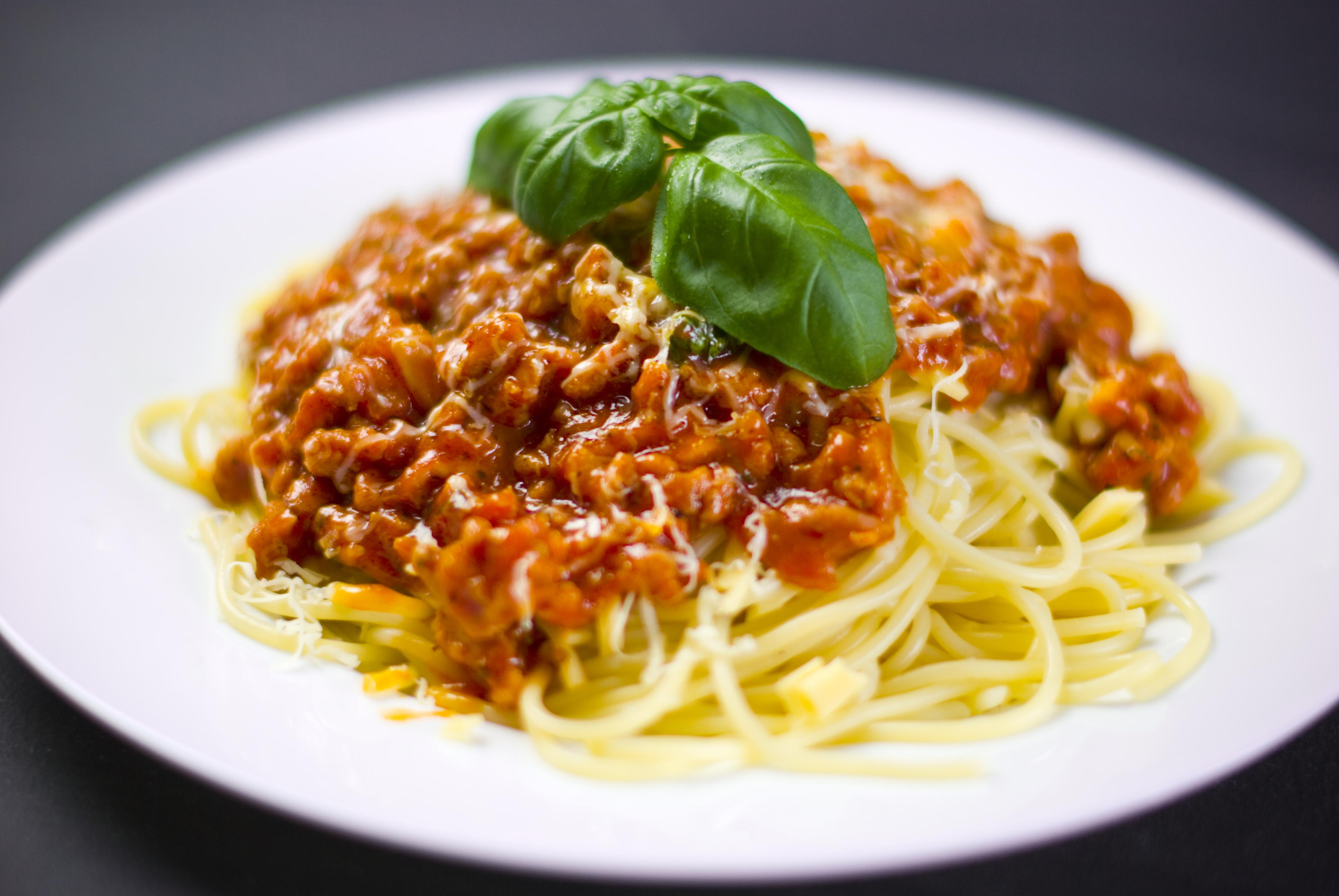 ミートソースのカロリーは?スパゲッティは高カロリー?ナポリタンやたらこパスタと比較