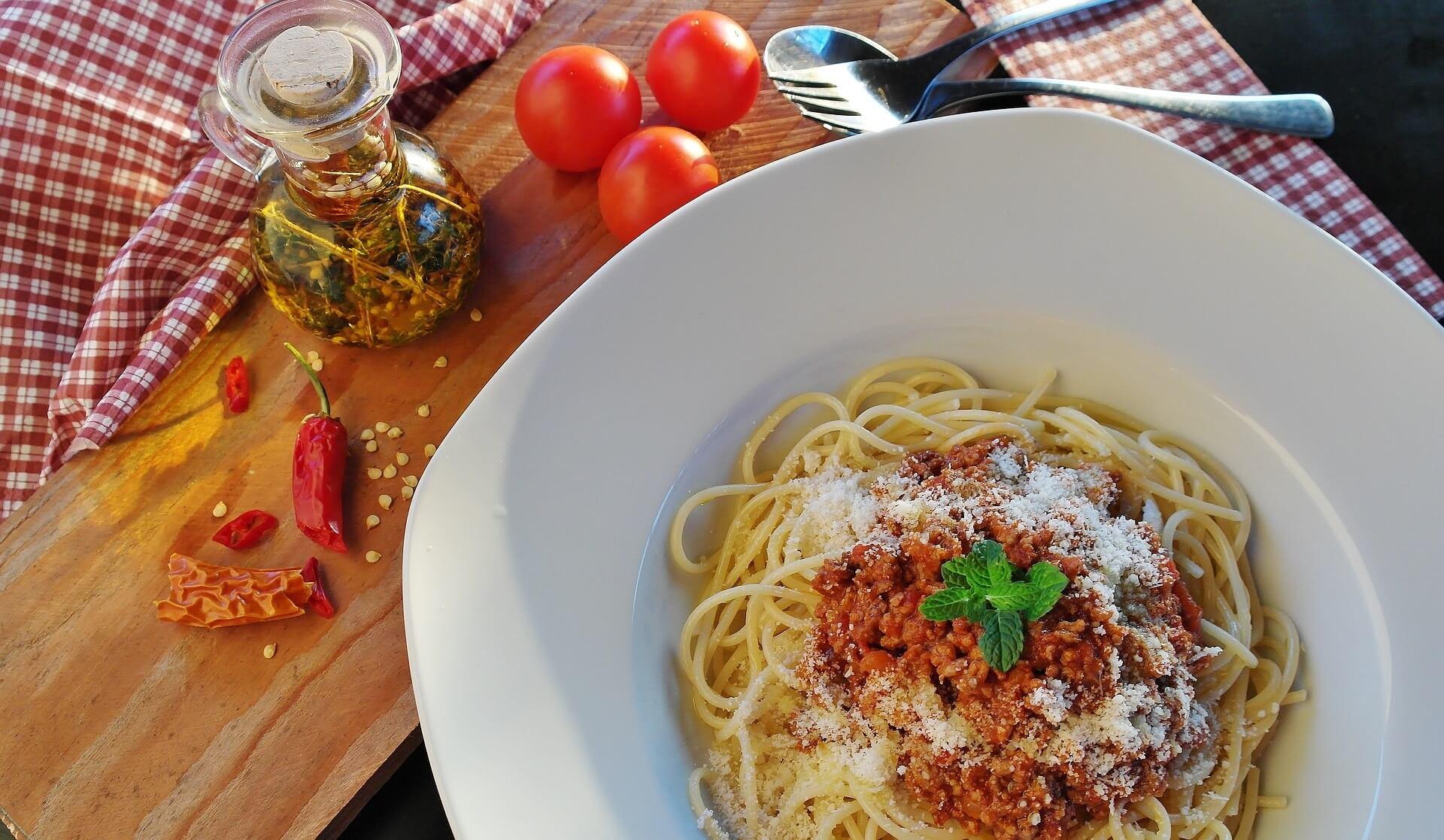 ミートソースは高カロリー!?気になるミートソースのカロリーを他のスパゲッティのカロリーと比較