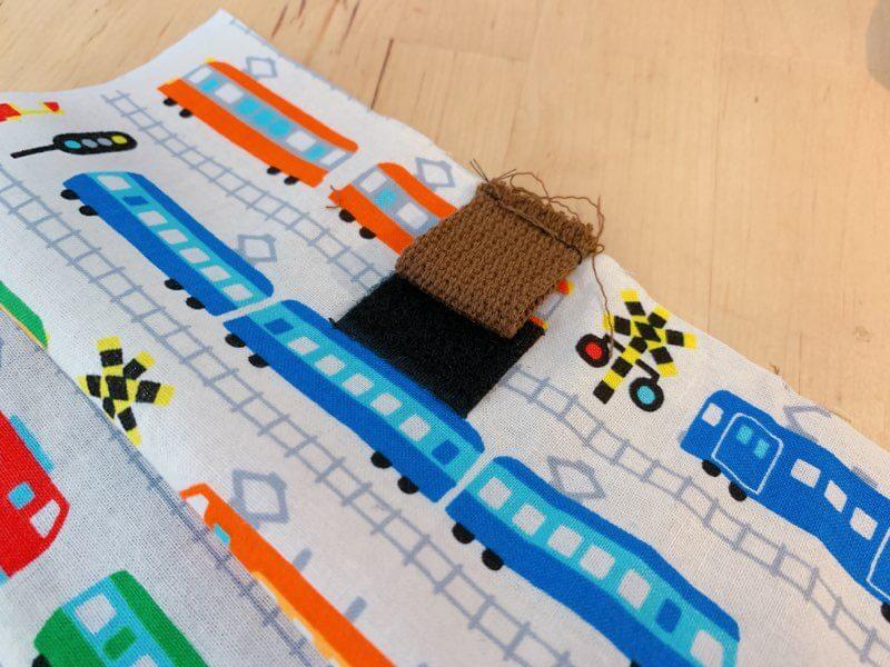 カトラリーケースの作り方②マジックテープと持ち手を縫い付ける-2