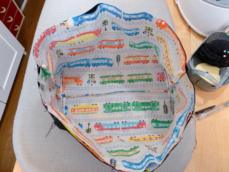 横入れお弁当箱の作り方④本体と蓋を縫い合わせる-2