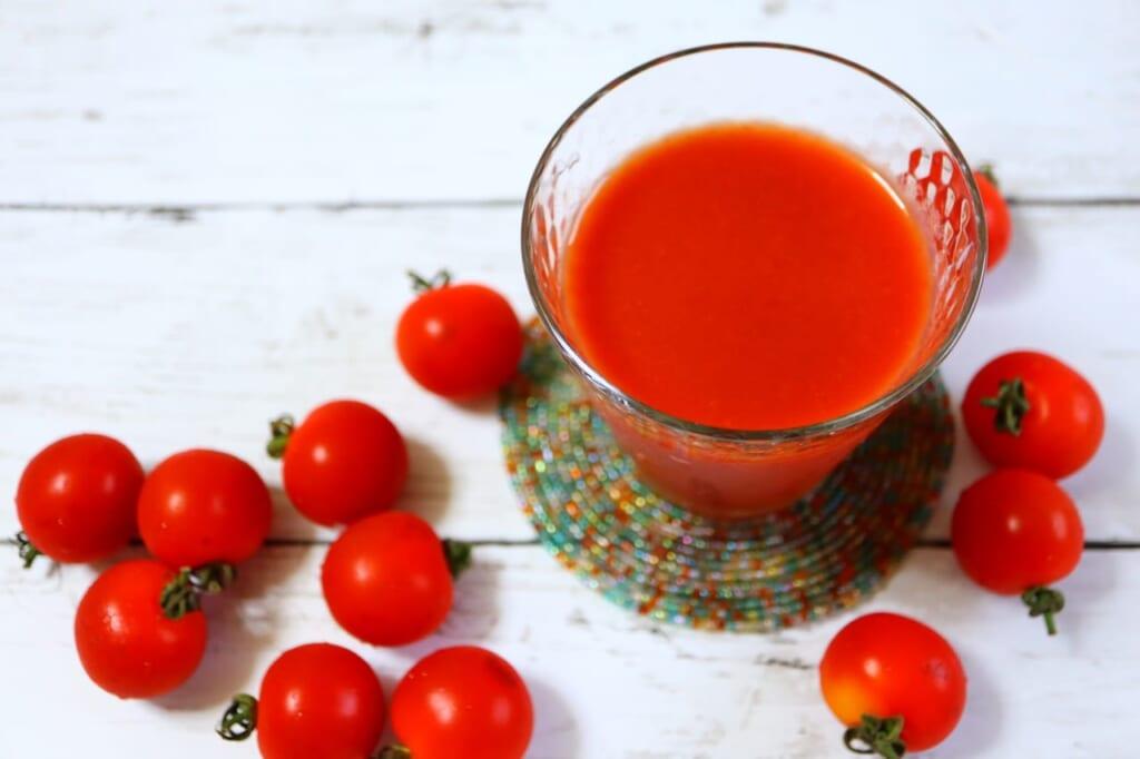 決め手はリコピン!トマトジュースの血圧への効果とは?