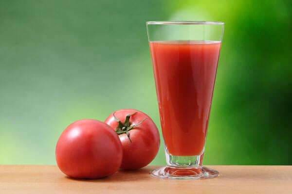 リコピンの効果は肝臓にも?トマトジュースの効能とは