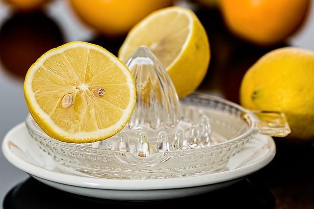 毎日の白湯に飽きた時におすすめしたい、レモン白湯